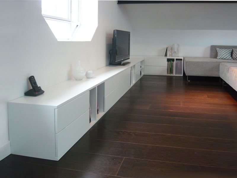 Meuble tv bas et long design solutions pour la for Meuble bas pour salon